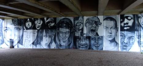 Younger Bridge artwork under Elizabeth Bridge by Cosmo Sarson