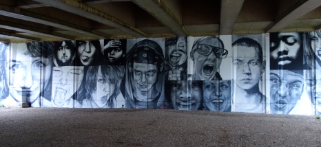 Younger Bridge artwork under Elizabeth Bridge by Cosmo Sarson
