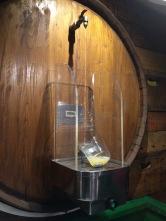 Keg cider pourer