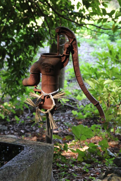 Old water pump at Wakamiya shrine before Doze beach, Iseji route