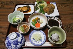 A delicious dinner at Ryokan Daishoukan in Kata on the Iseji route