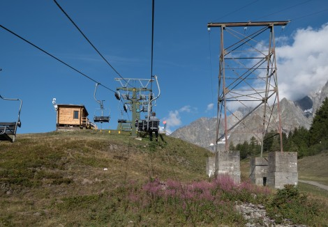 Then we transferred onto the chairlift to Maison Vielle