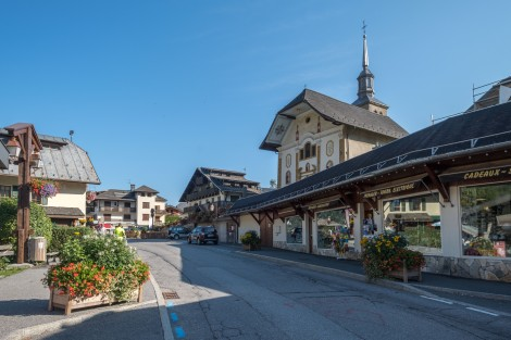 The main street in Les Contamines