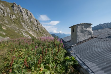 An old shepherds hut between Col de Balme and Trient
