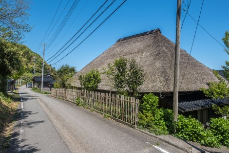 A thatched-roof house on Sado IslandSCF9375