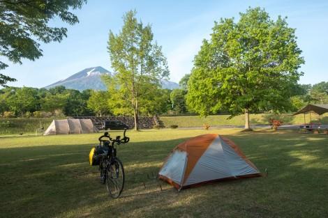 5:33am at Sainokami campground, Hachimantai