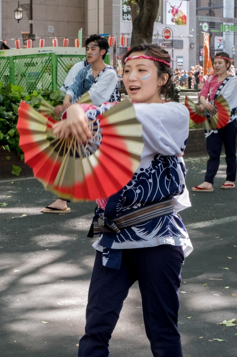 Watching the sparrow dance 'suzume odori' at the Aoba Matsuri, Sendai