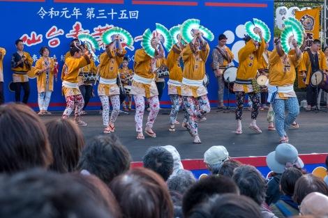 Watching the sparrow dance 'suzume odori' at the Aoba Matsuri, Sendai