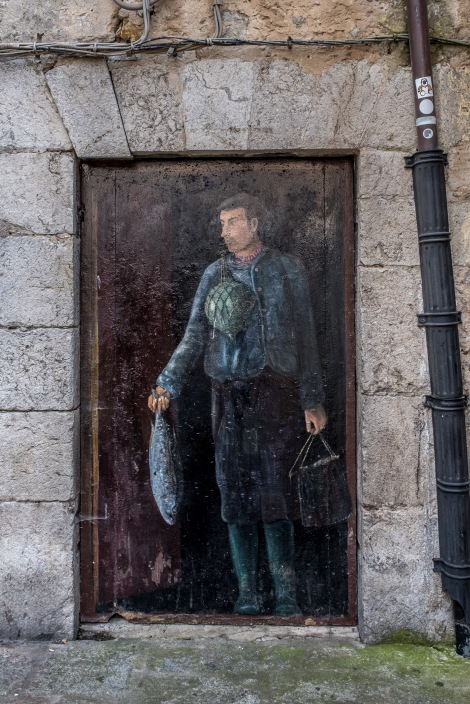 A fisherman painting in Laredo