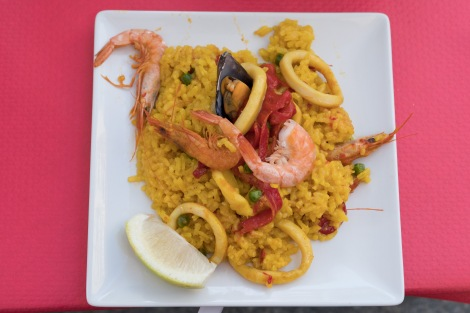 Finally, a seafood paella for dinner, in Santoña!