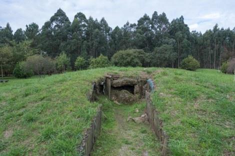 Necrópolis Tumular de San Pablo in Monte Areo Park