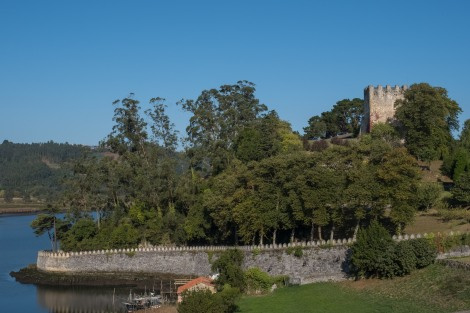 San Martin's Castle (El Castillo de San Martín), built on top of pre-Roman ruins on the bank of the River Nalón near Soto del Barco