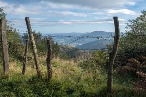 I'm climbing up and up along La Ruta principal between Mondoñedo to Gontán