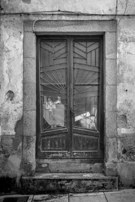 An art deco door in Vilalba