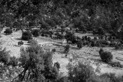 Looking down on the church ruins of Alakilise