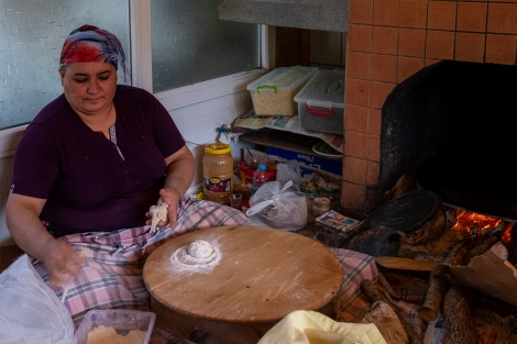 We stopped for a pomegranate juice (nar suyu) in Kayaköy and saw this lady making traditional bread