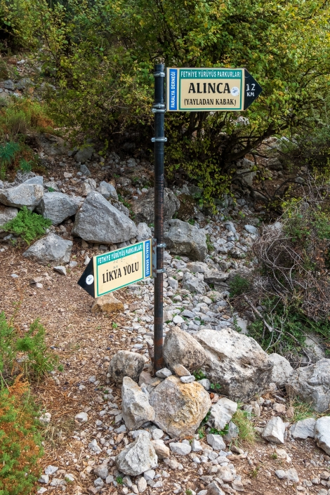 Helpful signs on the Lycian Way